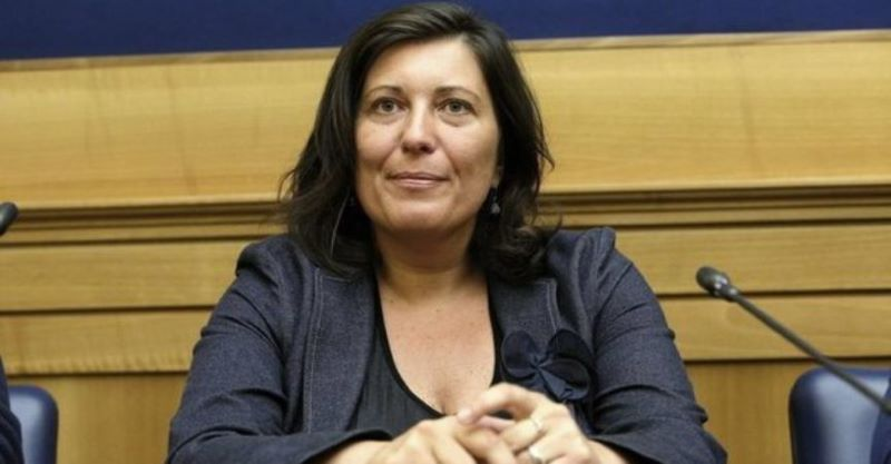 Valeria Ciarambino riceve lettere anonime con proiettili