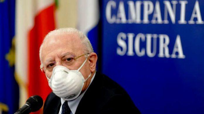 Covid 19, De Luca autorizza le strutture private ad effettuare tamponi privati ai cittadini