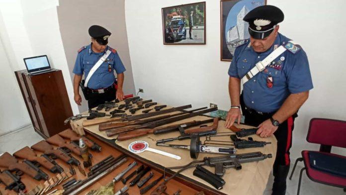 Santa Maria Capua Vetere: aveva un arsenale in casa, arrestato 63enne