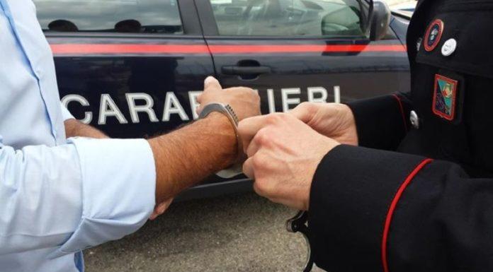 Castellammare di Stabia, 26enne arrestato per furto in un negozio d'abbigliamento: IL NOME