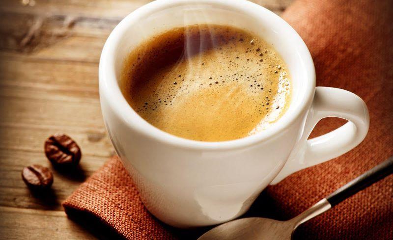 Il consumo moderato di caffè ha benefici per la salute