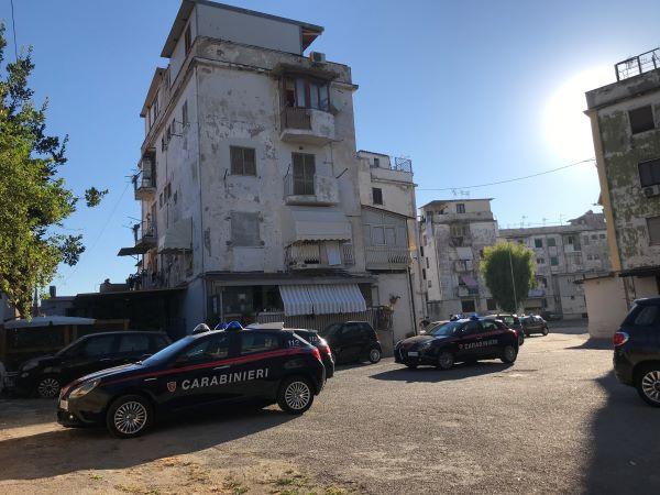 Torre Annunziata, Carabinieri setacciano le strade del rione Poverelli: un arresto