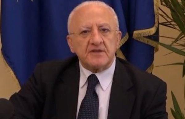 """Vincenzo De Luca tranquillizza su Mondragone: """"Focolaio isolato"""" (VIDEO)"""