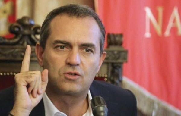 """Nuovo Dpcm, Luigi de Magistris: """"Noi sindaci siamo neri"""""""