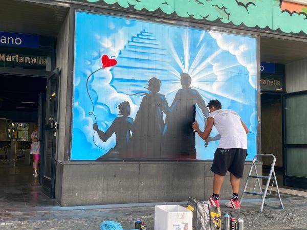 Chiaiano: un murale in memoria del tabaccaio Ulderico Esposito