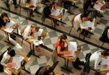 """Test d'ingresso a Medicina, protesta dell'UDU: """"100 euro costo eccessivo"""""""
