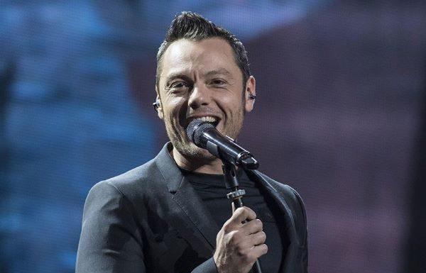 Tiziano Ferro: un 2020 tra i fasti di Sanremo e il tour rinviato causa emergenza Covid 19