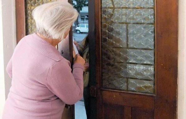 Piano di Sorrento, si finge corriere per truffare un'anziana: arrestata