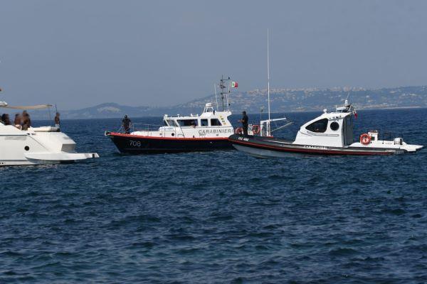 Ischia e Procida, controlli dei Carabinieri sulle coste: quattro denunce