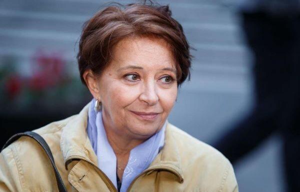 Un posto al sole: Carmen Scivittaro resta fuori dal cast della soap