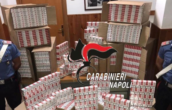 Torre Annunziata e Castellammare: 5 arresti e sequestro di 8mila pacchetti di sigarette
