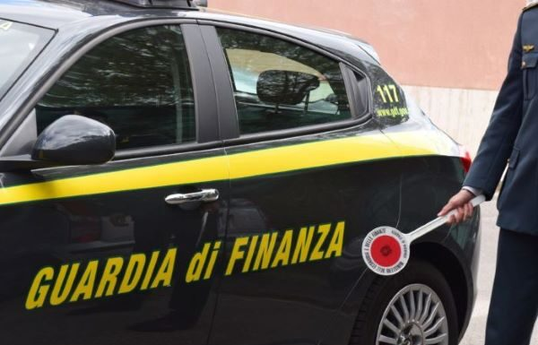 Guardia di Finanza: sequestrate opere d'arte all'imprenditore Giuseppe Barletta