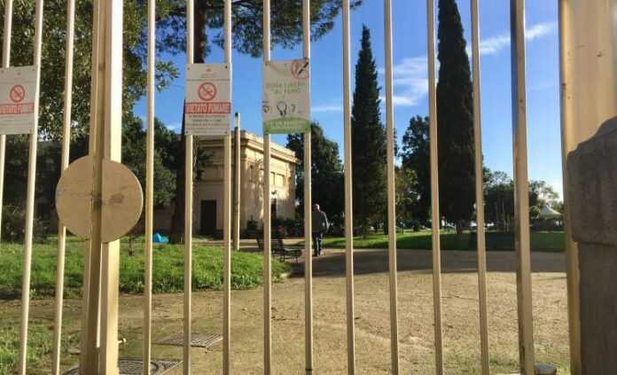 Allerta meteo a Napoli: oggi chiusi i parchi pubblici cittadini