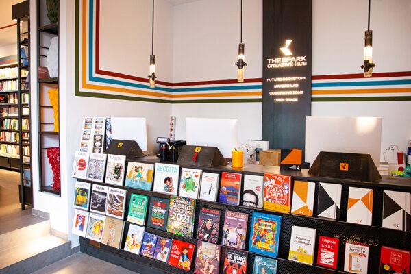 """Il megastore """"The Spark"""" riapre e accoglie al suo interno Mondadori Bookstore"""