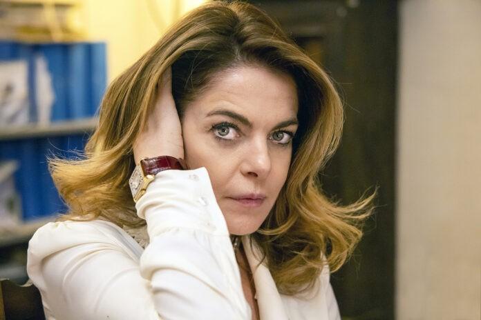 """Venezia 77: """"Anna Rosenberg"""" con Claudia Gerini, prodotto da Michela Scolari, sbarca al Terra di Siena Film Festival"""