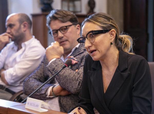 """Venezia 77: anteprima del film """"Anna Rosenberg"""" con Claudia Gerini"""