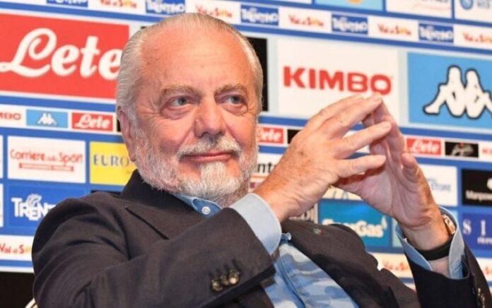 """De Laurentiis: """"Calcio Napoli con De Luca, unico politico che può risollevarci"""". Polemiche social"""