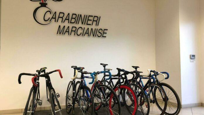 Rubano biciclette per 20mila euro a Marcianise: tre denunciati
