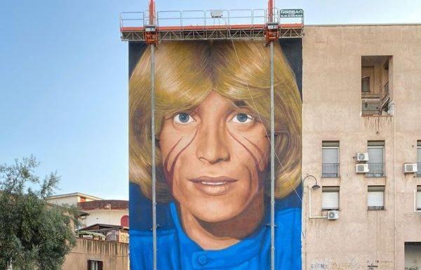 Jorit: un murale per Nino D'Angelo a San Pietro a Patierno