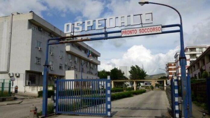 Ospedale di Caserta: reparto Covid pronto ma mancano le autorizzazioni