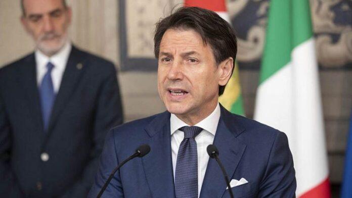 """Covid 19, il premier Conte: """"Ipotesi quarantena ridotta dopo il tampone"""""""