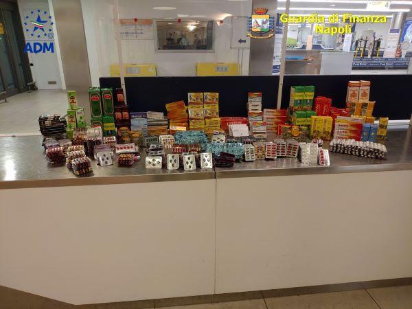 Aeroporto di Capodichino: sequestrate oltre mille confezioni di farmaci non a norma