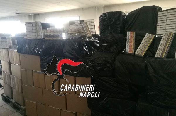 """Casavatore e Casoria, contrabbando di sigarette: 3 arresti e sequestro di 600 chili di """"bionde"""""""