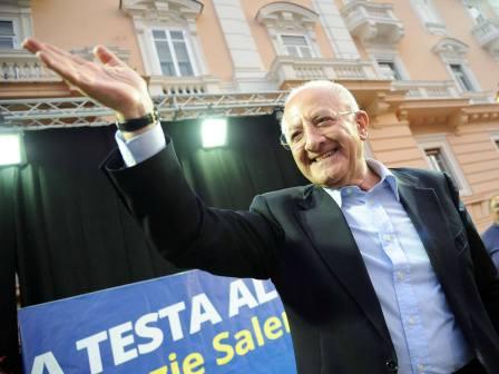 """Elezioni regionali in Campania, trionfo di De Luca: """"Il futuro è già iniziato"""""""