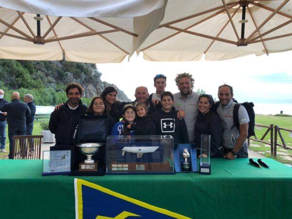 Vela. Enzo De Blasio con Scugnizza vince la Coppa Italia e il Gavitello d'Argento
