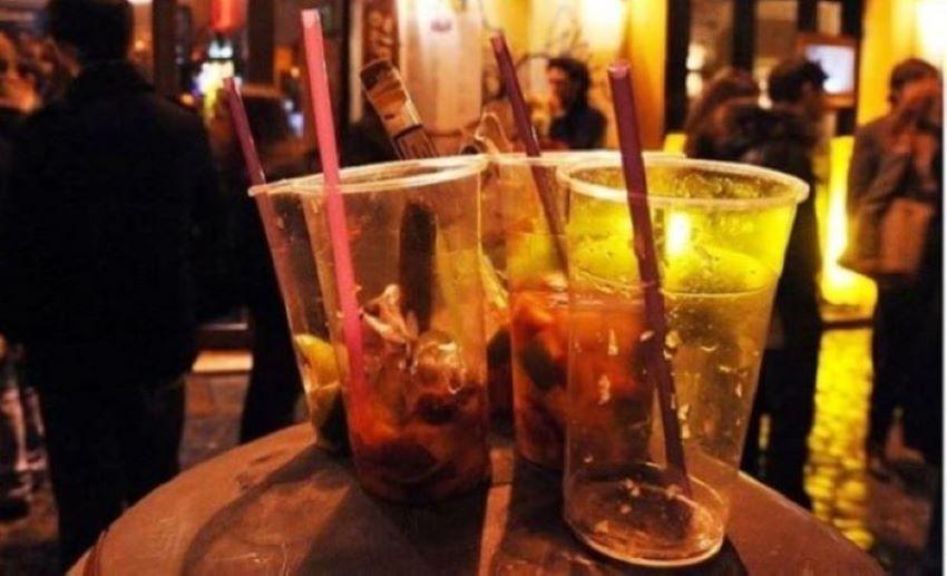 Chiaia, vendeva alcolici a minorenni: bar chiuso per un mese