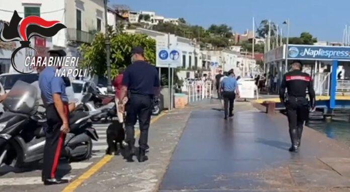 Barano di Ischia: due arresti per violenza sessuale ai danni di una 14enne