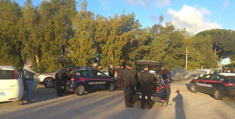 Giugliano, Carabinieri chiudono mercatino abusivo: 8 denunce