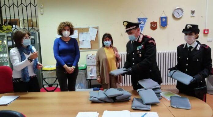 Benevento, didattica a distanza: Carabinieri consegnano 40 tablet