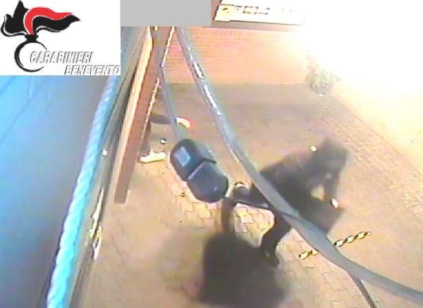 Benevento, furto notturno in una tabaccheria della zona industriale: due arresti