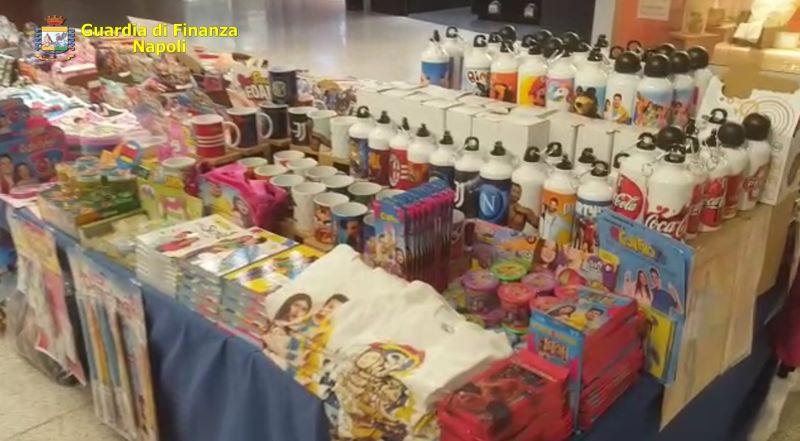 Miano, sequestrati 12mila articoli contraffatti: c'erano anche mascherine e borse griffate