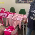Somma Vesuviana, sequestrata una fabbrica di capi d'abbigliamento contraffatti: quattro denunce