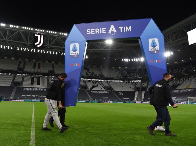Sentenza Coni Juventus Napoli: uno schiaffo per il mondo del calcio