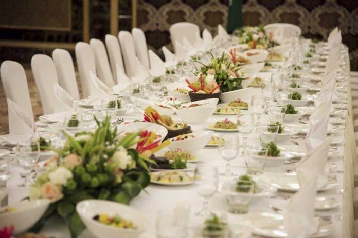 Bacoli, 120 invitati a 4 cerimonie: chiusi due ristoranti