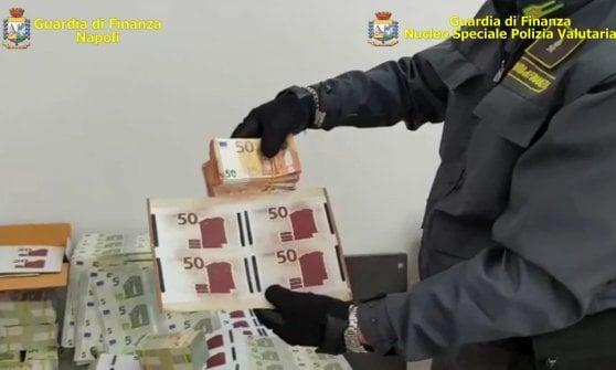 Napoli Est, stamperia di soldi falsi: sequestrato un milione