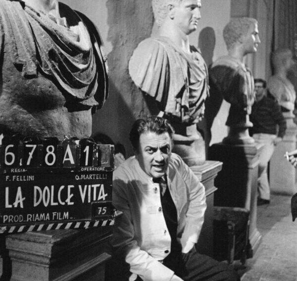 Pulcinella FilmFest sarà online: si parte con una mostra virtuale su Fellini