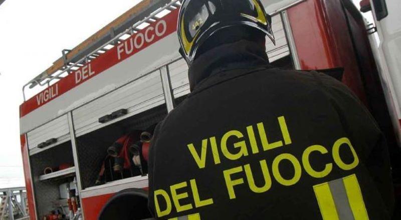 Corso Vittorio Emanuele, 40enne tenta il suicidio: salvata dai pompieri