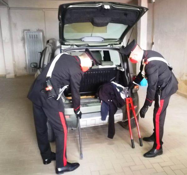 Benevento, bloccata banda di rapinatori: recuperate due auto