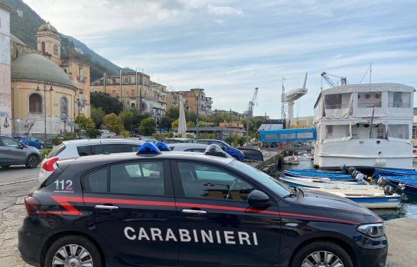 Castellammare di Stabia, controlli antidroga dei Carabinieri: tre arresti
