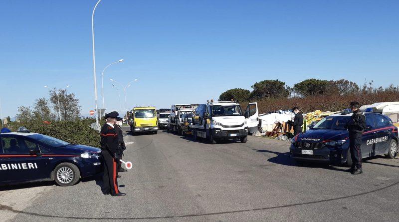 Giugliano, controlli nel campo rom: 8 automezzi sequestrati