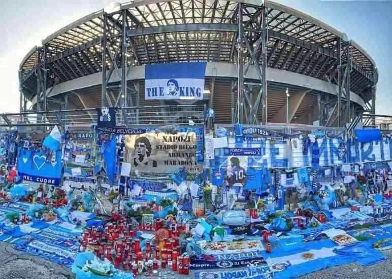 Una statua di Maradona allo stadio: al via la raccolta fondi