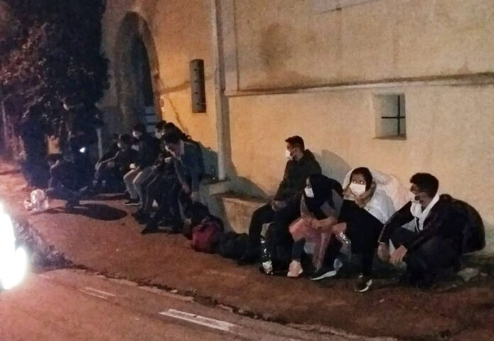 Massa Lubrense, 16 migranti sbarcano nella Baia di Ieranto