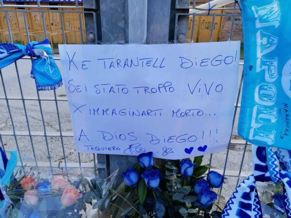 """D10S per sempre: de Magistris annuncia lo """"Stadio Diego Armando Maradona"""""""