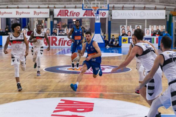 Gevi Napoli Basket - Benacquista Latina Sacripanti: