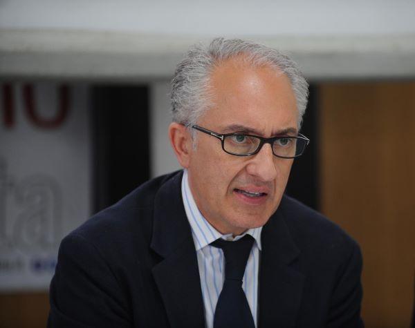 Caserta, ordinanza del sindaco Carlo Marino: stop agli assembramenti