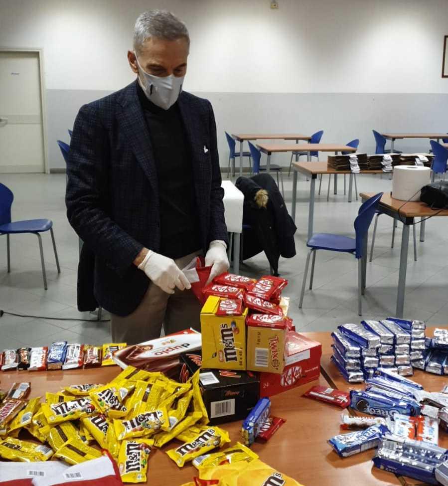 Atitech, distribuite calze per i bambini di San Pietro a Patierno, Secondigliano e Rione Sanità